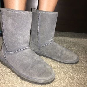 Grey bearclaw boots